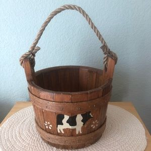 Vintage decorative farmhouse bucket